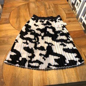 LulaRoe Jill Elegant black/white midi pleat skirt